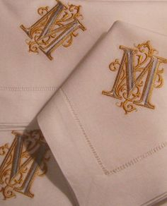 Luxury linens and bedding from Bella Lino Fine Linens. Luxury monogrammed bed, bath and fine table linens. Monogram Bedding, Monogram Initials, Embroidery Monogram, Embroidery Designs, Creative Embroidery, Monogrammed Napkins, Linens And Lace, Monogram Styles, Fine Linens