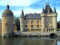 Chateau de la Clayette - Saone et Loire, Bourgogne