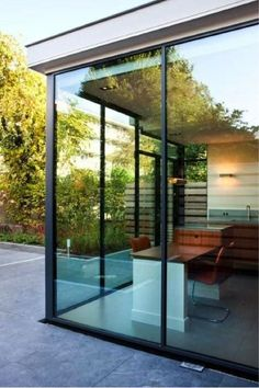 uitbouw woning uitkijk tuin Future House, My House, Modern Conservatory, Glass Extension, Pergola, Exterior, House Extensions, California Homes, Open Plan Living