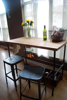 Cool table for small spaces