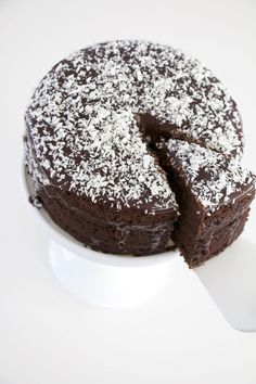Chocolate cake with coconut topping. Pastry Recipes, Cake Recipes, Dessert Recipes, No Bake Desserts, Delicious Desserts, Chocolate Sweets, Swedish Recipes, Cakes And More, Cake Cookies
