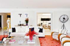 Do básico ao incrível. Veja: https://casadevalentina.com.br/projetos/detalhes/do-basico-ao-incrivel-505 #decor #decoracao #interior #design #casa #home #house #idea #ideia #detalhes #details #cozy #aconchego #casadevalentina #living #livingroom #sala #saladeestar