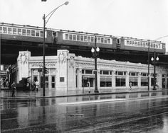 The Uptown elevated station at Wilson & Broadway in the late Chicago Chicago Transit Authority, Chicago Pictures, Chicago Neighborhoods, My Kind Of Town, White City, New People, Old Photos, Past, The Neighbourhood