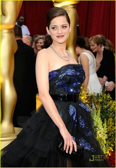 Check out production photos, hot pictures, movie images of Marion Cotillard and more from Rotten Tomatoes' celebrity gallery! Celebrity Outfits, Celebrity Style, Marion Cottilard, Strapless Dress Formal, Formal Dresses, Celebrity Gallery, French Actress, Celebs, Celebrities