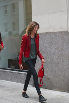 Love the red jacket. I'd probably have saved the red bag for another outfit to let the jacket speak for itself, but what the hell, it's almost February. Let the red overkill begin.