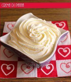 cream cream to stuff Sweet Recipes, Cake Recipes, Dessert Recipes, Mini Desserts, Delicious Desserts, Mousse, Ganache Frosting, Dessert Cups, Sweet Cakes