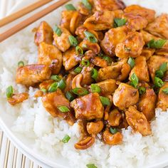 """""""CASHEW CHICKEN Made by @cookingclassy Follow her. She is amazing @cookingclassy Ingredients 1 1/2 lbs boneless skinless chicken breasts, diced into…"""""""
