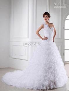 New Arrival 2013One Shoulder Wedding Dresses Flowers Pleats Ball Gown Chapel Train Bridal Gown LLH63