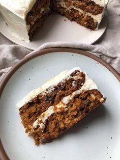 I Tried Reddit's Popular Divorce Carrot Cake | Kitchn Just Desserts, Delicious Desserts, Dessert Recipes, Pastry Recipes, Cupcake Recipes, Dessert Ideas, Cooking Recipes, Healthy Recipes, Best Carrot Cake