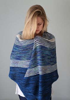 Come see Pelagos (and me!) at Stitches West this weekend! The pattern will be available alongside the gorgeous new exclusive color of Yarn Love yarn I got to use, at the Yarnover Truck in booth 1048, and I will be there myself from 11-1pm on Sunday, the 25th.