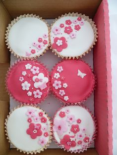 Pink and White Blossom Cascade Cupcakes
