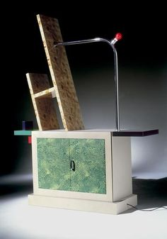 Beverly, design by Ettore Sottsass (1981). Fonte: http://www.memphis-milano.com/collections/ettoresottsass/products/beverly, acessado em 25/09/2016.