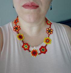 Collar de Flores Rojo Naranja y Amarillo Hecho a mano por