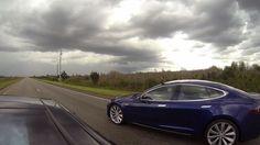Ver Ludicrous vs. Insane: ¿qué Tesla ganará la carrera? (video)