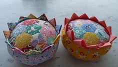 Thirties pincushions. pattern is Prairie Flower Pincushion by Moda