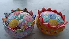 Thirties pincushions. pattern is Prairie Flower Pincushion by Moda