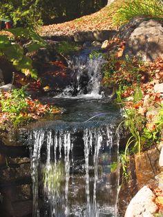 Un autre point de vue de cette cascade d'eau réalisé par Maxhorti au Québec. Aménagement paysager / Landscaping Backyard Hill Landscaping, Beauty Magazine, Lightroom Presets, Your Photos, Improve Yourself, Waterfall, About Me Blog, Wallpapers, Landscape