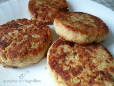 Burger di tonno in scatola veloci Easy Meat Recipes, Quick Dinner Recipes, Quick Easy Meals, Healthy Recipes, I Love Food, Good Food, Yummy Food, Tuna Burgers, Fish Dishes