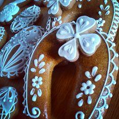 Decorated Honiees for luck. Dekorativní perníčky Honiees. #cookies