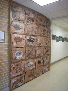 Make Stone Age animal prints Teaching History, Teaching Art, Stone Age Ks2, Archaeology For Kids, School Displays, Art Lessons Elementary, Iron Age, Art Classroom, Art Plastique