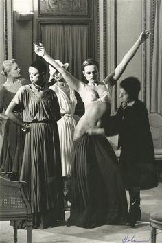 Vogue, 1977. Photo: Helmut Newton.