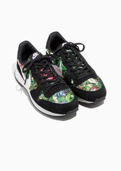 in stock bdf45 ca862 Other Stories image 2 of Nike Internationalist PRM in Black Sneakers Nike,  Loafers,