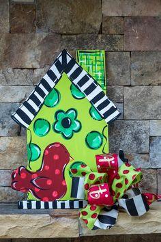 birdhouse door hanger bird lover porch decor front door | Etsy Custom Door Hangers, Burlap Door Hangers, Creative Wall Decor, Door Picture, Summer Signs, Birdhouse Designs, Front Door Signs, Bird Houses Painted, Wooden Doors