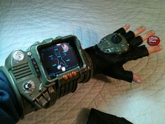 Zachariah Perry, Prop Designer Made A Replica Of The Pip-Boy 3000 From Fallout (And it works!) now all I need is to bribe my bro to get at his printer. Fallout Props, Fallout Game, Fallout New Vegas, Fallout 3 Pipboy, Vault Dweller, Fallout Cosplay, Pip Boy, Lone Wanderer, Nerd Love