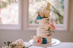 Pop Up Wedding | Auckland Wedding | Mini two tier cake | Gracehill Estate Wedding | Katrina Cooke Photography #weddingcake #popupwedding Two Tier Cake, Amazing Wedding Cakes, Tiered Cakes, Pop Up, Desserts, Tailgate Desserts, Double Barrel Cake, Popup, Dessert