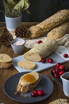 Foie gras a la sal. El placer de hacer higado de pato en casa Foie Gras Pate Recipe, Toast Foie Gras, Spanish Cuisine, Canapes, Catering, Dips, French Toast, Sandwiches, Food Porn