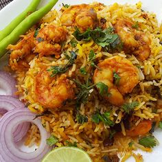 Prawns Tawa Biryani Recipe by Shireen Anwar - Pakistani Chef Recipes Vegetable Biryani Recipe Indian, Prawn Biryani Recipes, Indian Prawn Recipes, Crab Recipes, Vegetable Curry, Rice Recipes, Prawn Dishes, Rice Dishes, Shireen Anwar Recipes