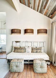 Interior Design Dreaming: The Daybed | interior decorating tips | home decor tips | how to decorate with daybeds | daybed home decor inspiration || Glitter, Inc.
