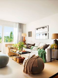 〚 Yllow and green accents in small Spanish apartment sqm) 〛 ◾ Photos ◾Ideas◾ Design Beautiful Living Rooms, Small Living Rooms, Home And Living, Cozy Living, Shabby Chic Living Room, Living Room Decor, Deco Salon Design, Made To Measure Furniture