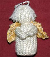 A little Christmas angel.  Free pattern