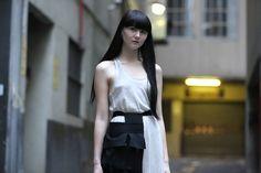Melbourne street fashion photograph  www.instagram.com/jaylim1 www.facebook.com/PlanBStyleBook http://planbstylebook.blogspot.com.au/  #rickowens #margiela #maisonmartinmargiela #photography #photographer #melbourne fashionblogger #streetstyle #streetfashion #seoul #korea #model #streetwear #streetphoto #womensfashion #womensstyle