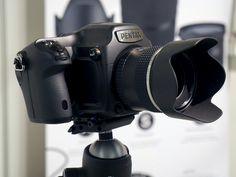 Pentax 645 Z en Fotogenio 2014. Foto Quesabesde.com Toys For Boys, Binoculars, Cameras, News, Sebastiao Salgado, Camera, Boy Toys, Still Camera