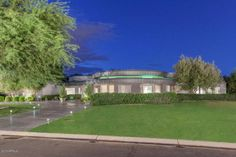 Bold Contemporary house in Paradise Valley lists for $2.7M