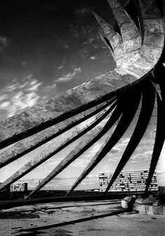 Oscar Niemeyer  1907-2012 | more on: http://www.pinterest.com/AnkAdesign/archi-in-lasting-time/