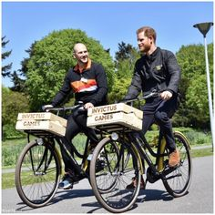 The Duke of Sussex today attended the official launch of The Invictus Games The Hague The Invictus Games is an international sporting… Meghan Markle, Prince Harry Pictures, Dutch Bike, Invictus Games, Becoming A Father, New Fathers, Isabel Ii, Epic Fail Pictures, The Hague