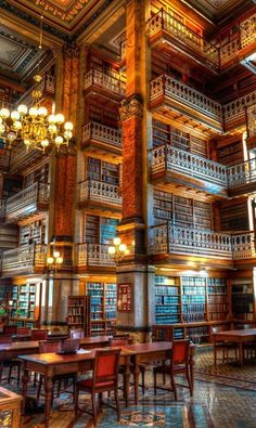 A little more than a home library, but so beautiful. The State Law Library of Iowa by Abi Page Beautiful Library, Dream Library, Library Books, Grand Library, Photo Library, Magical Library, Main Library, Reading Library, Beautiful Architecture