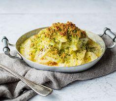 Hva sier du til en saftig grateng bestående av kremet fennikel krydret med hvitløk og toppet med sprø smuler med smak av persille, sitron og...