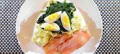 Tagliatelle met roergebakken spinazie, gerookte zalm en ei