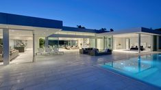 Carla Ridge Residence by McClean Design checks all the Beverly Hills mega mansion boxes: Californian indoor-outdoor lifestyle, infinity pool & amazing Los Angeles views