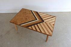 Reclaimed abstract oak, mahogany and pallet wood coffee table.  This rustic retro looking coffee table, perfect for all types of interiors, be