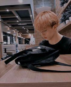 handsome jisung waiting for you at a coffee shop. Ntc Dream, Park Jisung Nct, Nct Group, Park Ji Sung, Entertainment, Wattpad, Taeyong, K Idols, Jaehyun