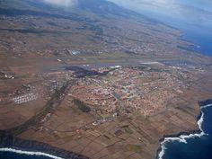 Aeroporto das Lajes, costa Norte da ilha Terceira, Açores, Portugal.