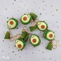 Crochet Bee, Kawaii Crochet, Crochet Gifts, Cute Crochet, Crochet Dolls, Crochet Yarn, Crochet Doll Tutorial, Crochet Keychain Pattern, Crochet Amigurumi Free Patterns