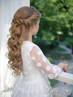 Charming hairstyles for girls from the Comunion Cordoba - Ni Charmante Frisuren für Mädchen aus der Comunion Cordoba – Niamh Cahill – Charming hairstyles for girls from the Comunion Cordoba – Niamh Cahill – - Flower Girl Hairstyles, Little Girl Hairstyles, Loose Hairstyles, Beautiful Hairstyles, Glamorous Hairstyles, Summer Hairstyles, Evening Hairstyles, Wedding Hairstyles, Bridesmade Hairstyles