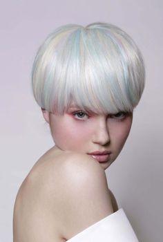Cool Trendy Platinum Blonde Pixie Eccentric Hairstyles Ideas To Copy Platinum Blonde Pixie, Silver Blonde Hair, Platinum Hair, Pixie Hairstyles, Cool Hairstyles, Short Hair With Bangs, Long Bangs, Extreme Hair, Hair Styler