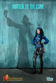 {Fc: Sofia Carson} Hey I'm Evie Queen! My mom is the Evil Queen. I don't really like being evil but I do it to please my mom! The Descendants, Disney Descendants Movie, Disney Channel Movies, Descendants Characters, Sofia Carson, Disney And Dreamworks, Disney Pixar, Image Internet, Cameron Boyce